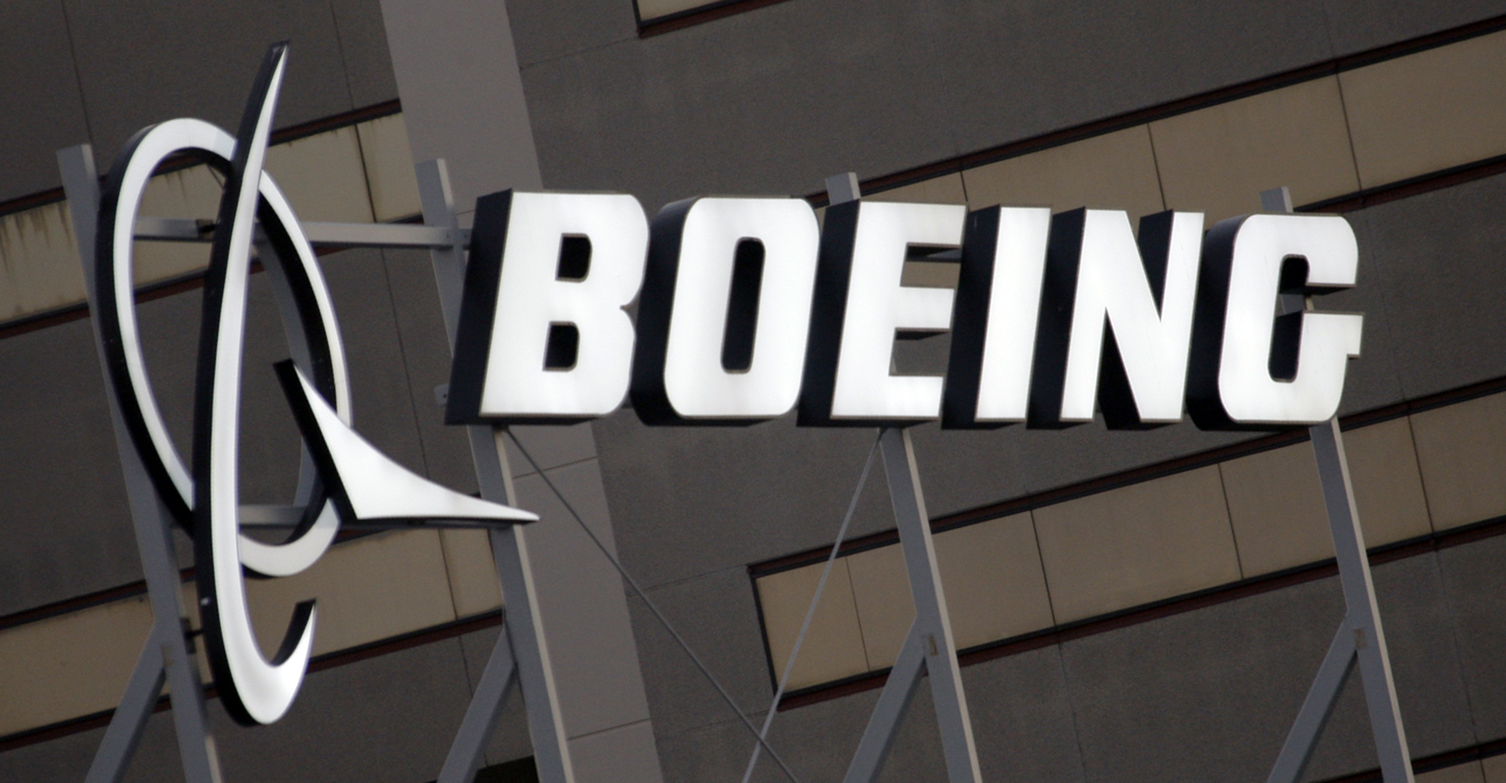 Boeing 737 Max: CEO says tests of software update show
