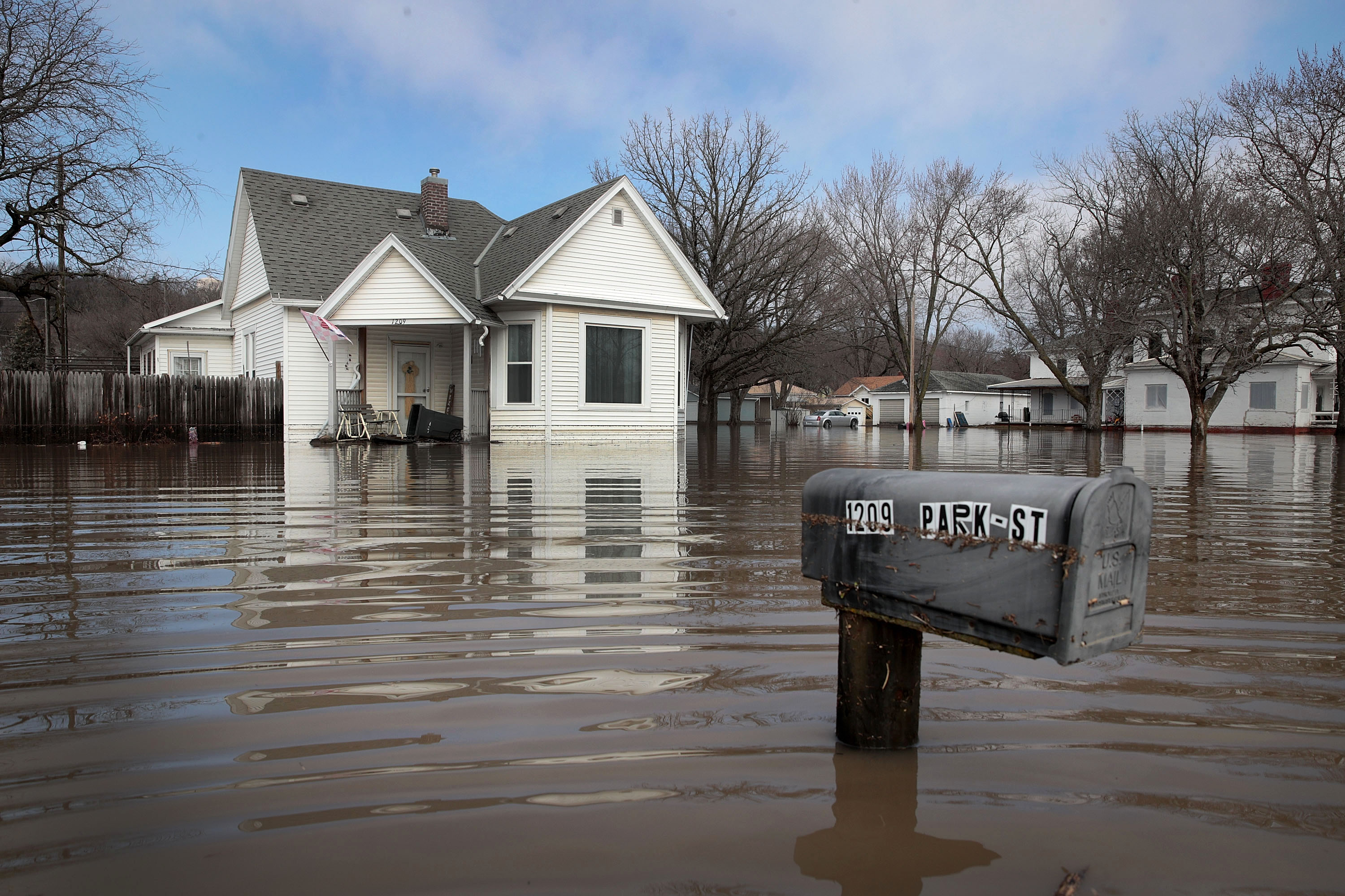 After Midwest Bomb Cyclone and floods, Nebraska farmers