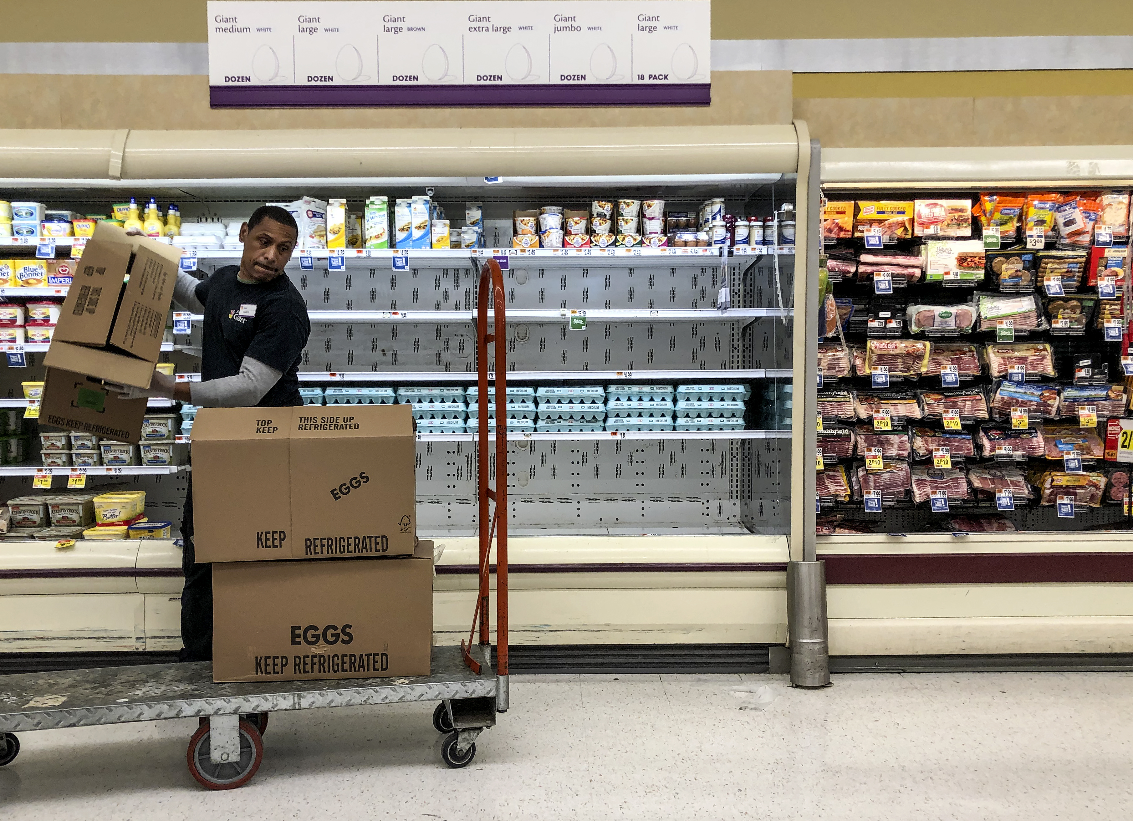 As More Grocery Workers Die Many Supermarket Employees Fear Showing Up During Pandemic The Washington Post