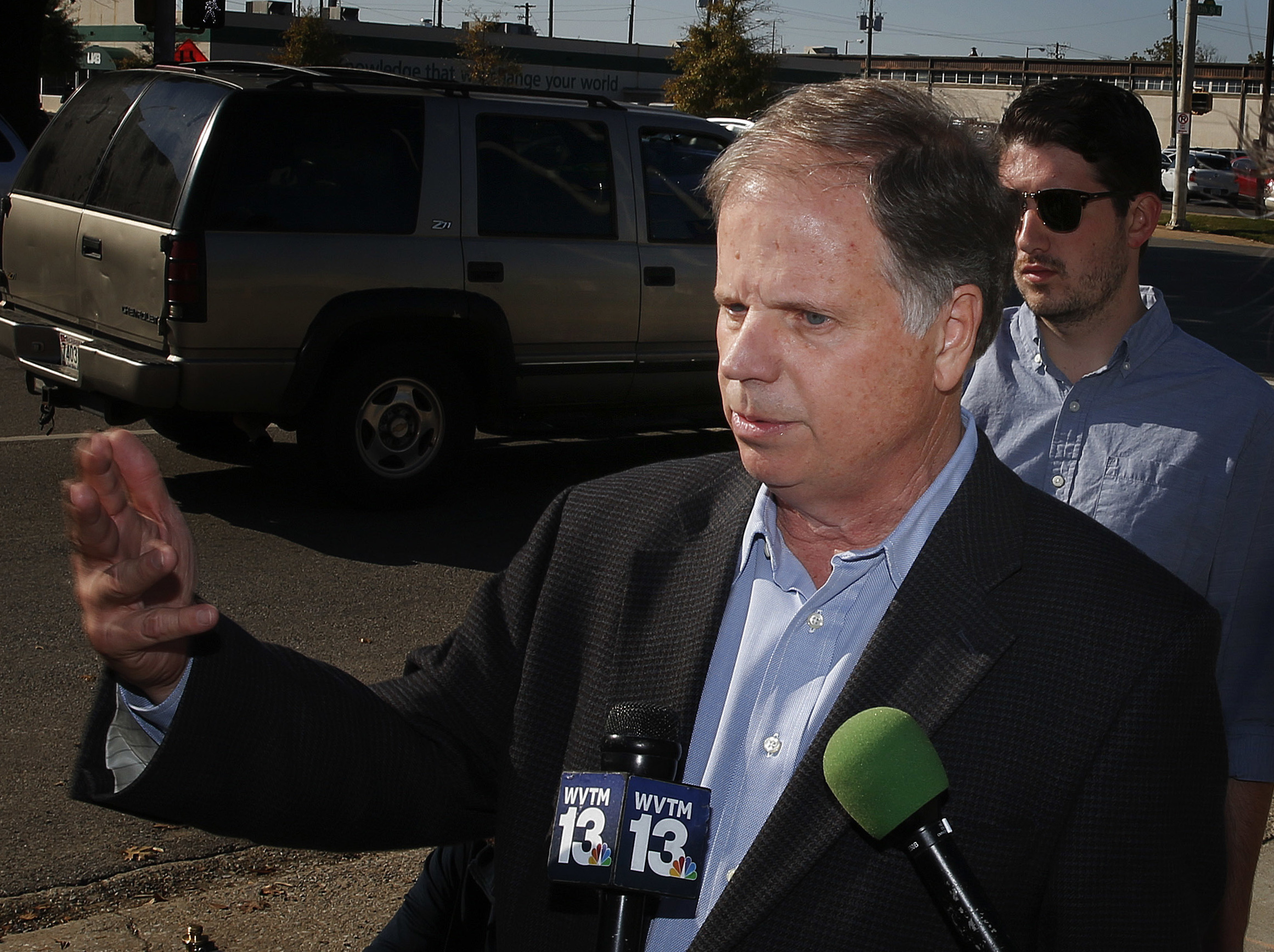 White House urges Roy Moore to concede, as supporters look