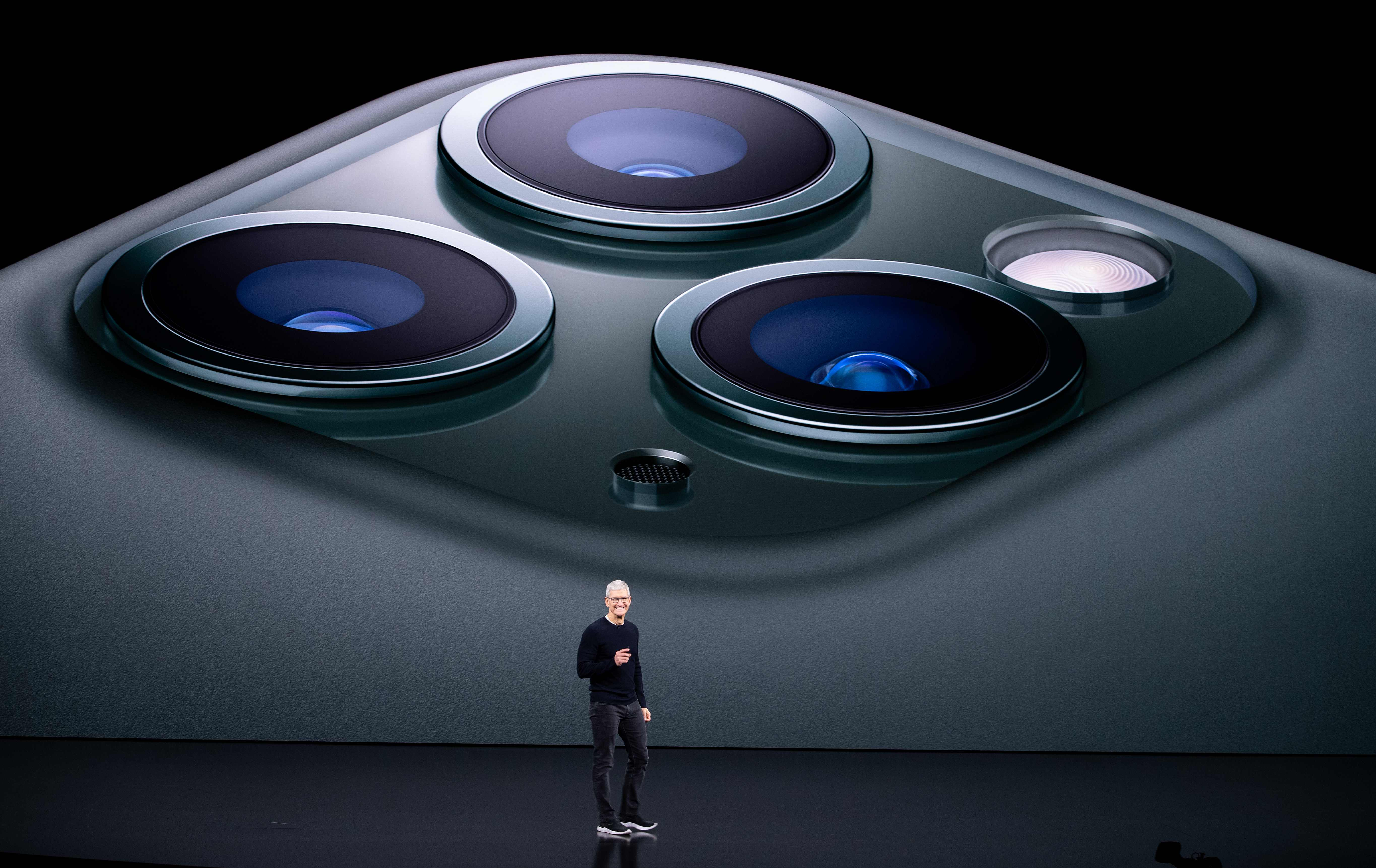 Trypophobia Triggered By Iphone S Three Lenses Sufferers Say