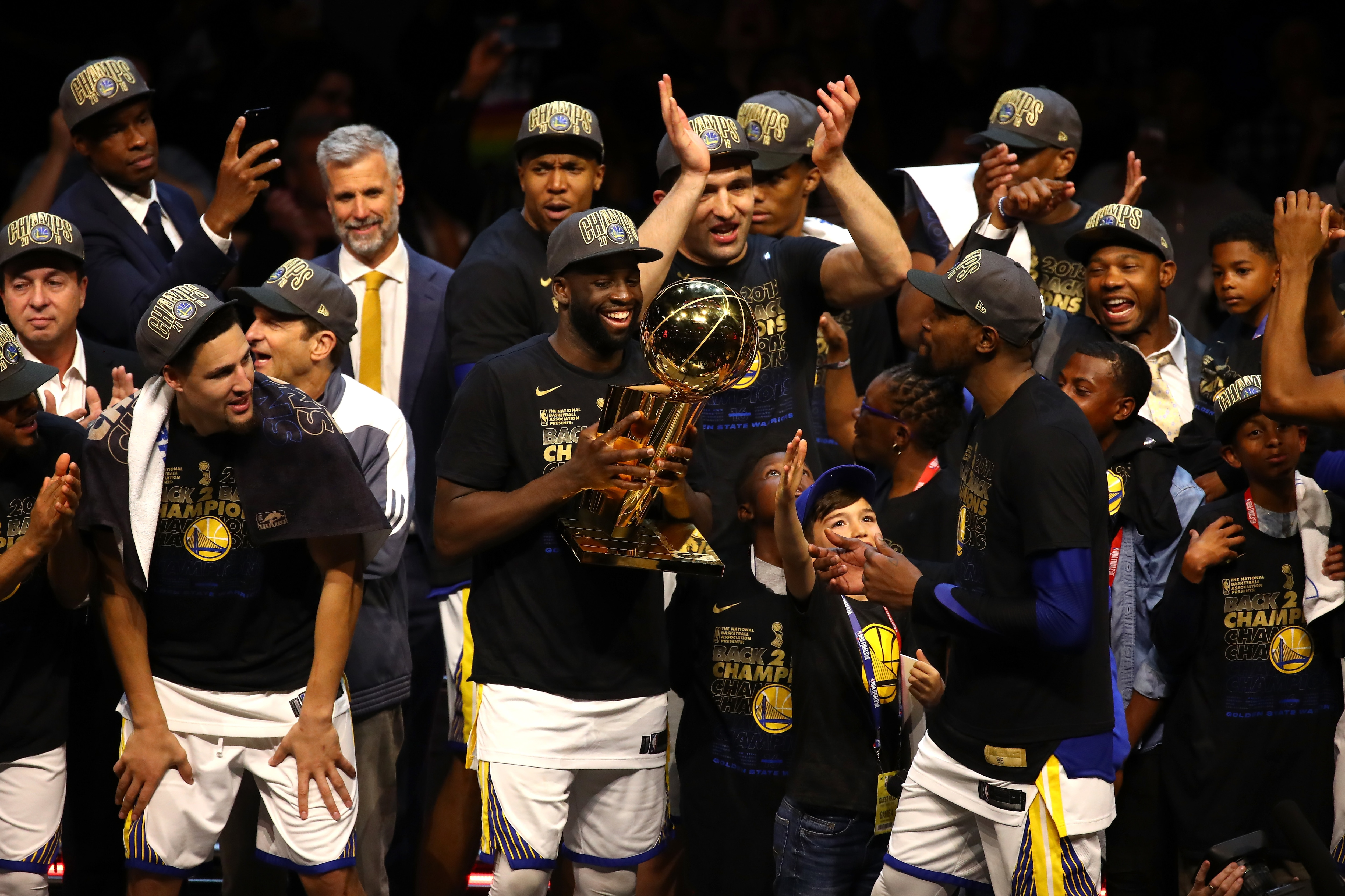 744f9056f NBA Finals: Warriors sweep Cavaliers, claim second straight title ...